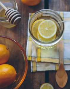 Jus de citron pour lutter contre les ballonnements